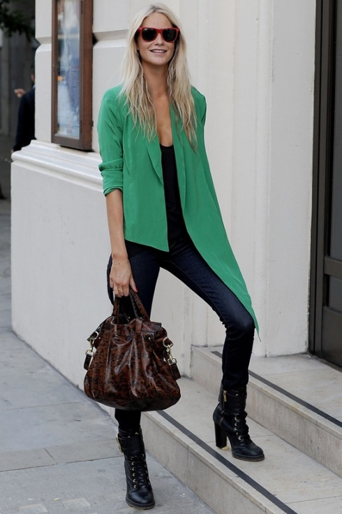 http://en.vogue.fr/fashion/fashion-ideas/diaporama/what-she-s-wearing-poppy-delevingne/7466